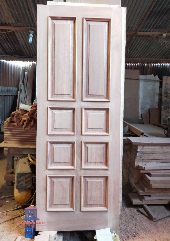 Kusen Pintu Kayu Kamper Jakarta Timur