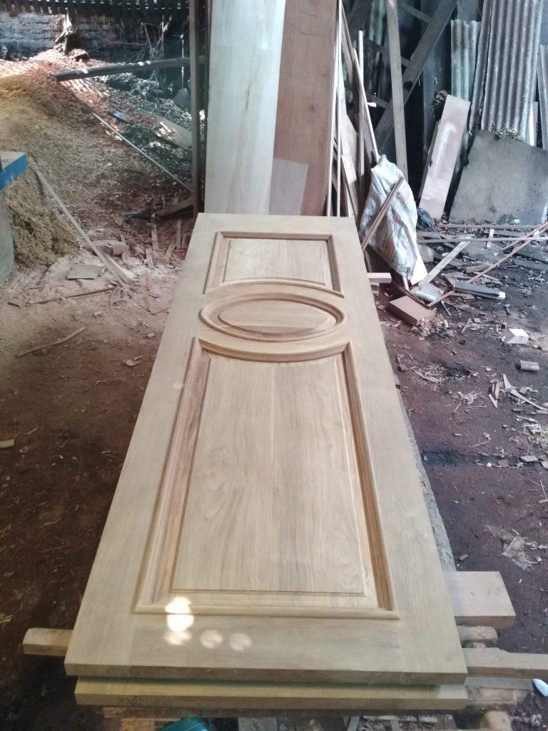 Pintu Jati Model Lengkung